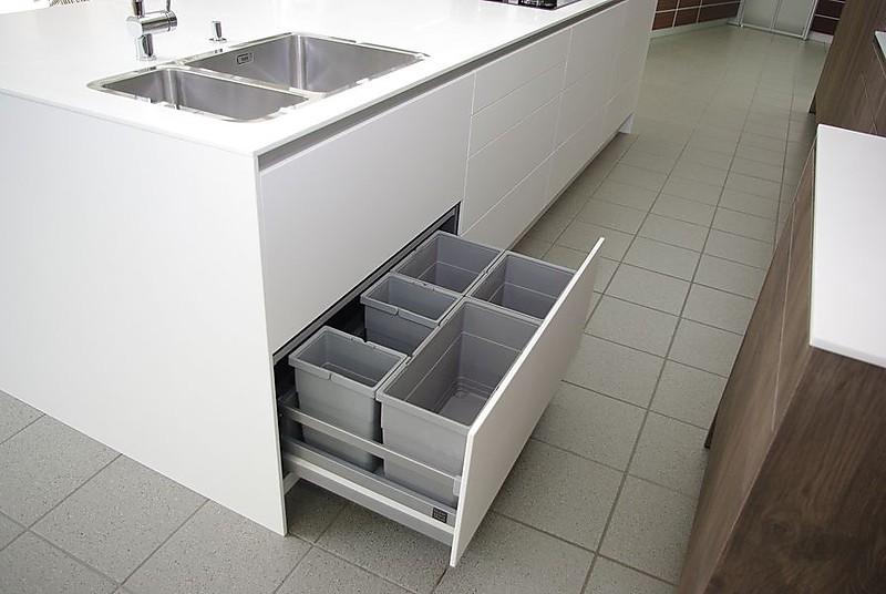 eggersmann musterk che luxusk che mit elektrischen. Black Bedroom Furniture Sets. Home Design Ideas