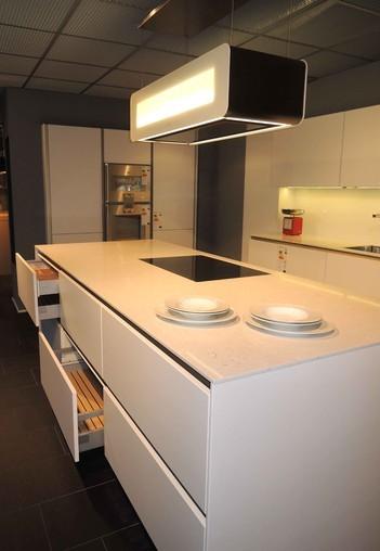 siematic musterk che designk che in wei s2lm ausstellungsk che in burghausen von master s k chen. Black Bedroom Furniture Sets. Home Design Ideas
