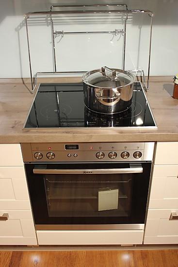 nobilia musterk che magnolia hochglanz absetzung eiche toscana nb ausstellungsk che in werlte. Black Bedroom Furniture Sets. Home Design Ideas