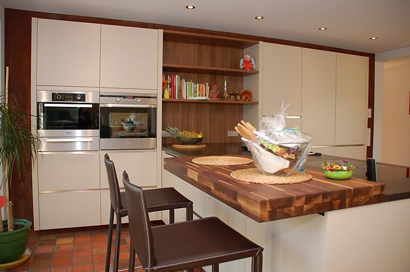 Kücheninsel Mit Dunstabzug ~ bora dunstabzug, azul marone naturstein kombiniert mit griffloser optik küche von familie b