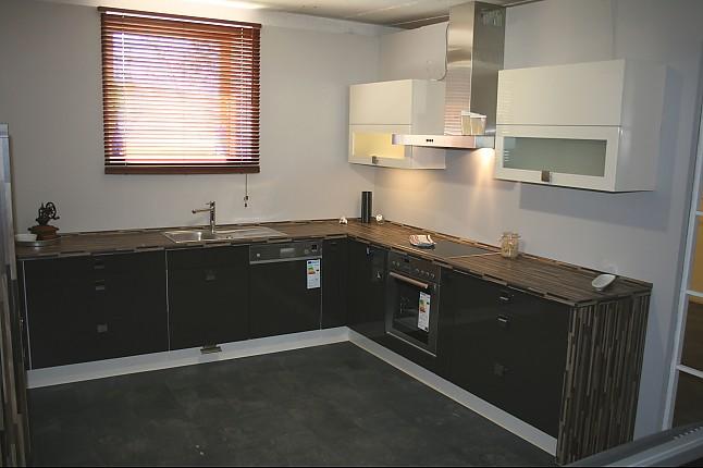 nobilia musterk che moderne hochglanzk che in u form mit top ausstattung ausstellungsk che in. Black Bedroom Furniture Sets. Home Design Ideas