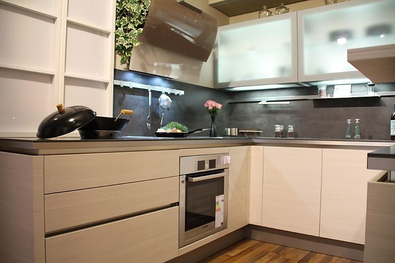 h cker musterk che moderne u k che grifflos pinie magnolie ausstellungsk che in r thenbach. Black Bedroom Furniture Sets. Home Design Ideas