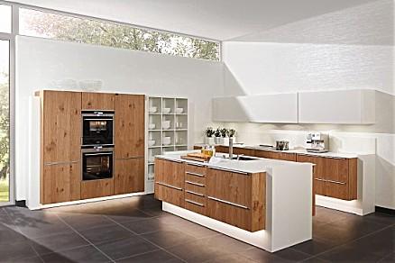 Moderne Inselküche von zeyko aus Asteiche