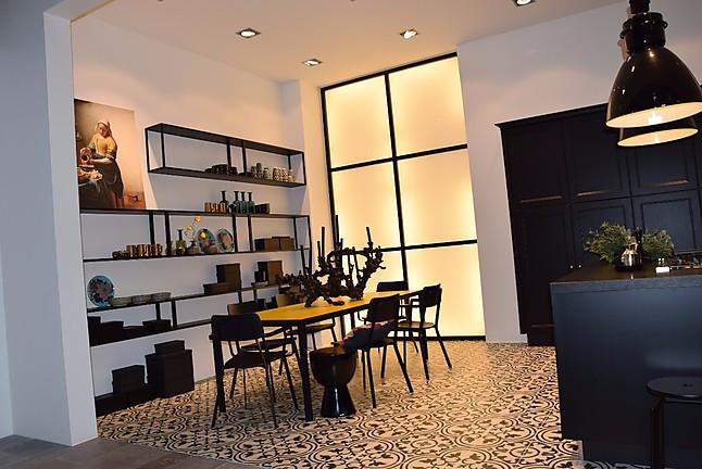 nolte musterk che landhaus k che inselk che lack schwarz ausstellungsk che in berlin von. Black Bedroom Furniture Sets. Home Design Ideas