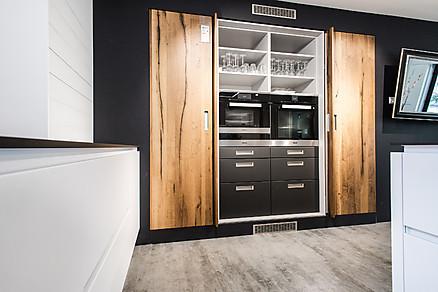 Einbaugeräte versteckt im Küchenschrank