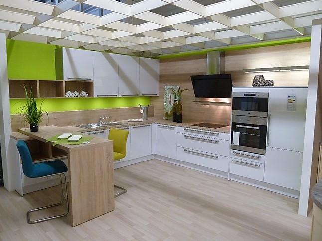 Häcker-Musterküche moderne L-Küche in Weiß Hochglanz ...