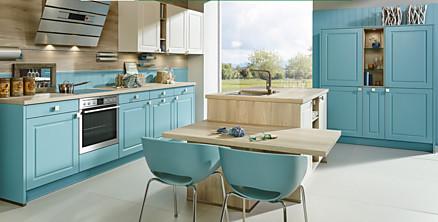 Verspielte Landhausküche in Blau