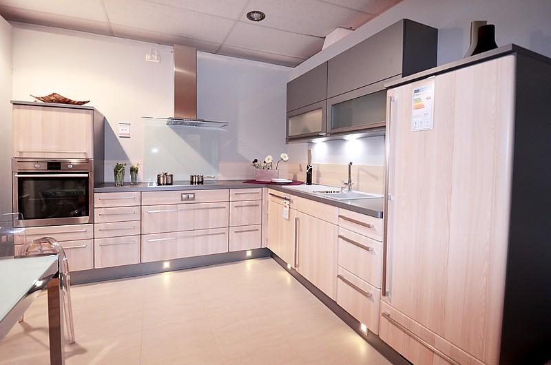 nobilia musterk che einbauk che grado ausstellungsk che in korbach meineringhausen von. Black Bedroom Furniture Sets. Home Design Ideas