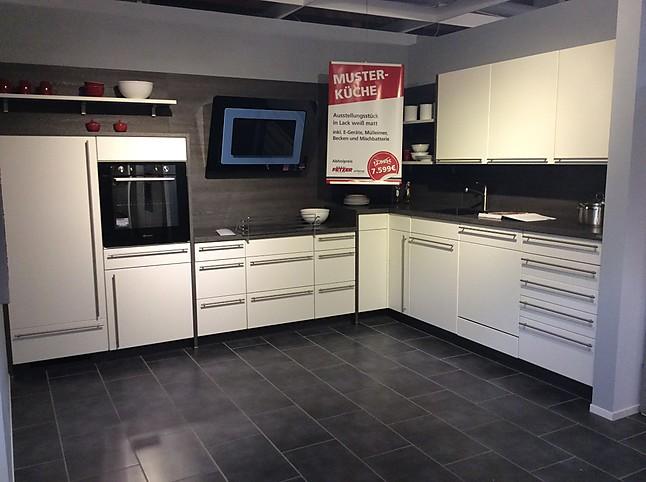 mit viel stauraum fresh mit viel stauraum with mit viel stauraum gallery of auf wunsch. Black Bedroom Furniture Sets. Home Design Ideas