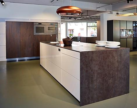 musterk chen von nieburg angebots bersicht g nstiger ausstellungsk chen. Black Bedroom Furniture Sets. Home Design Ideas