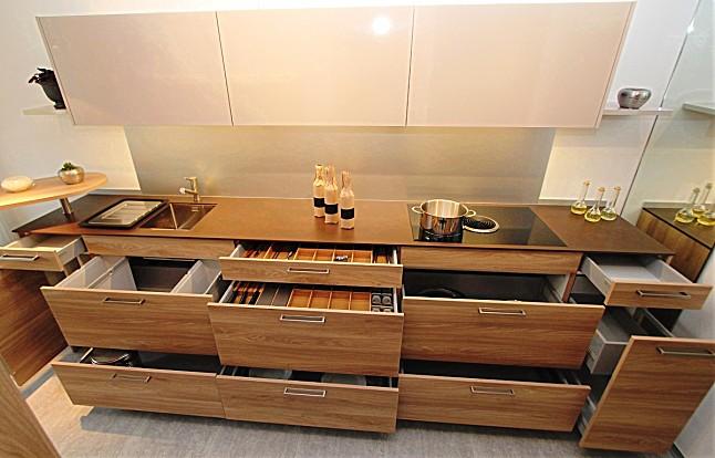 Küchenelemente  Sonstige-Musterküche wohnliche Küchenelemente im Ulme-Holzdekor + ...
