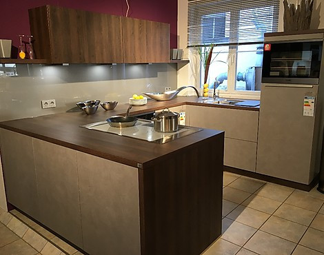 musterk chen b rse grifflose k chen im abverkauf. Black Bedroom Furniture Sets. Home Design Ideas