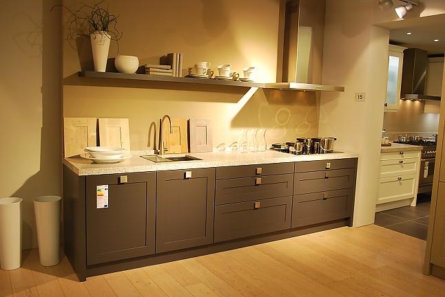 nieburg musterk che romantische k che im landhausstil mit. Black Bedroom Furniture Sets. Home Design Ideas