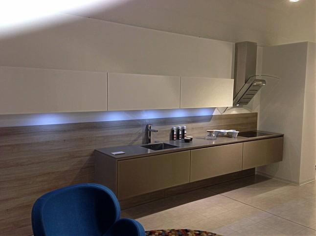 warendorf musterk che l15 glattlack in swing ausstellungsk che in d sseldorf von warendorf. Black Bedroom Furniture Sets. Home Design Ideas