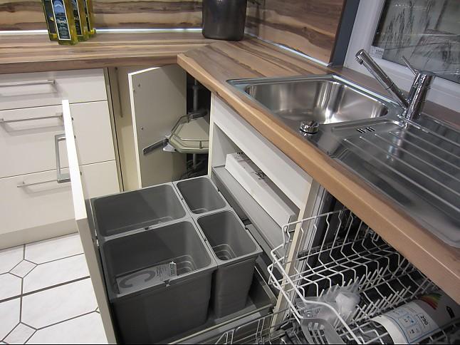 HäckerMusterküche Moderne LKüche mit High pressure