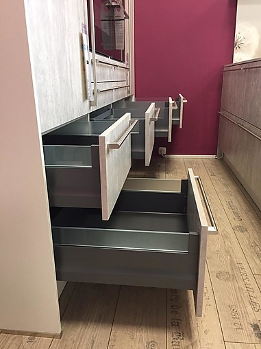 Häcker   INPURA SYSTEMAT, AV 2080, Beton Natur/Weiß Elegant Moderne  Küchenzeile Mit Kochinsel Und Sitzbank (Kj7)