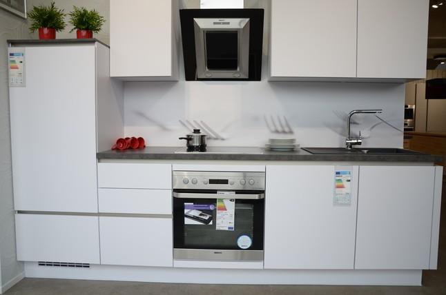 Küchen Gummersbach nobilia musterküche schicke helle küchenzeile ausstellungsküche in