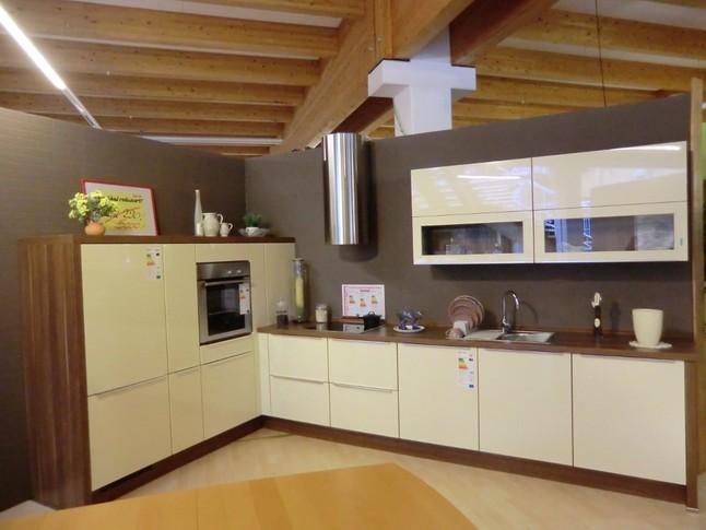 nobilia musterk che zeitlose l k che der etwas anderen art ausstellungsk che in von. Black Bedroom Furniture Sets. Home Design Ideas