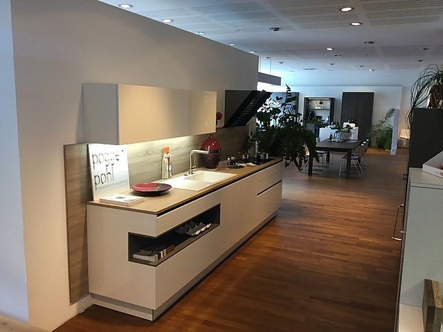 poggenpohl musterk che goldreif k che by the poggenpohl group ausstellungsk che in siegen von. Black Bedroom Furniture Sets. Home Design Ideas