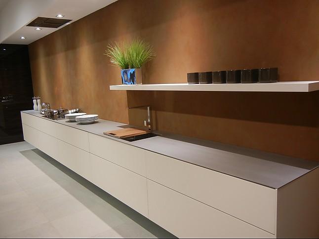Küchen Reduziert hausmarke-musterküche reduzierte stilvolle küche grifflos mit teppan