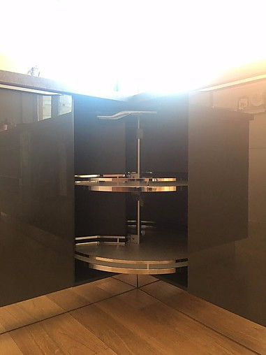 sachsenk chen musterk che eleganz vs tradition. Black Bedroom Furniture Sets. Home Design Ideas