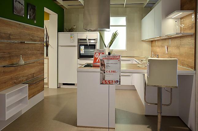 nobilia musterk che koje 13 ausstellungsk che in achern von m o m bel und objekt gmbh. Black Bedroom Furniture Sets. Home Design Ideas