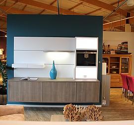 leicht musterk che edle 2 zeilen k che echtholz s gerauh. Black Bedroom Furniture Sets. Home Design Ideas