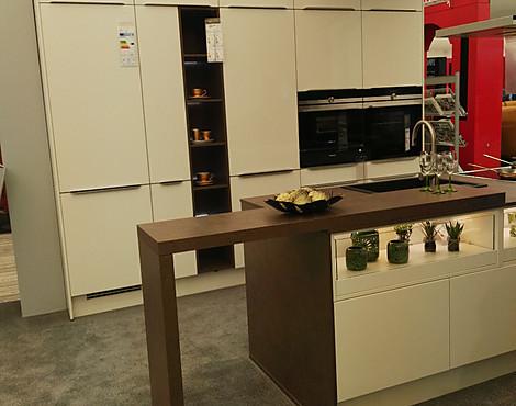 musterk chen neueste ausstellungsk chen und musterk chen seite 47. Black Bedroom Furniture Sets. Home Design Ideas