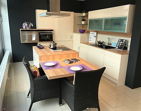 musterk chen von dan k chen angebots bersicht g nstiger ausstellungsk chen. Black Bedroom Furniture Sets. Home Design Ideas