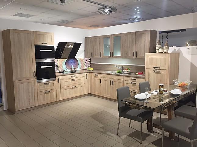 Störmer küchen bozen r4400 in bardolino eiche natur und eiche dunkel zeitlos schöne landhausküche von störmer mit geräten