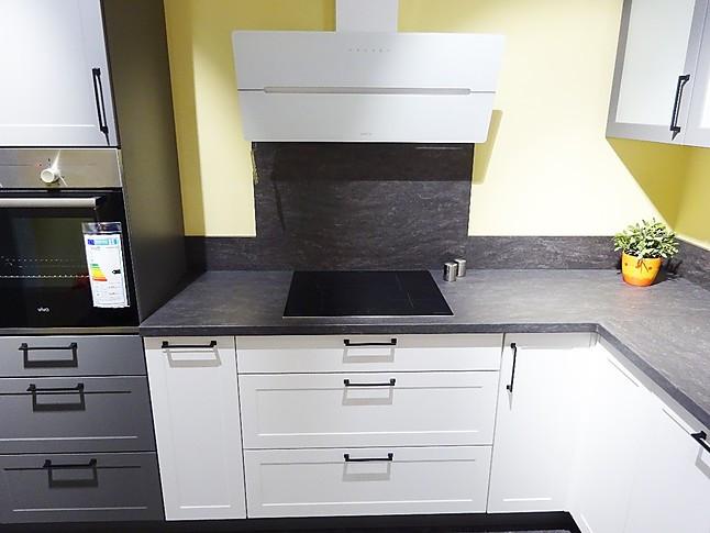 Express Küchen-Musterküche Express Küche Landhaus Lacklaminat Weiß ...