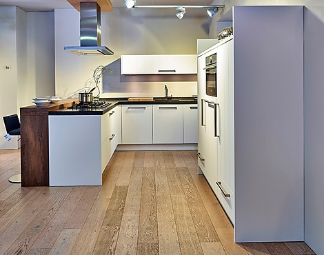musterk chen neueste ausstellungsk chen und musterk chen seite 19. Black Bedroom Furniture Sets. Home Design Ideas