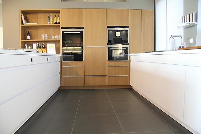 leicht musterk che designerk che ausstellungsk che in teising von kkl k chen. Black Bedroom Furniture Sets. Home Design Ideas