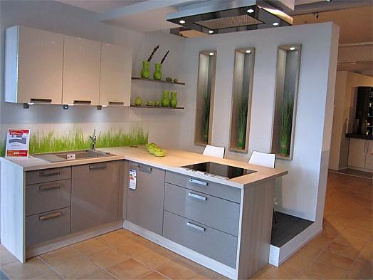 Inpura-Musterküche Moderne Küche mit Thekenlösung zum ...