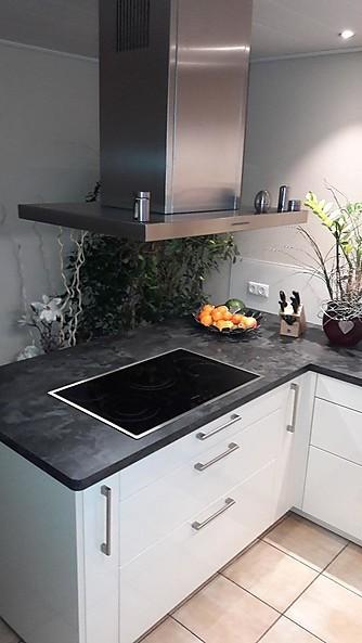 Moderne Hochglanz Küche
