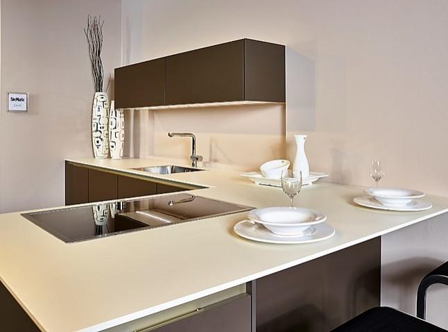 siematic musterk che stilvolle k che mit halbinsel ausstellungsk che in nordhorn von k chenland. Black Bedroom Furniture Sets. Home Design Ideas