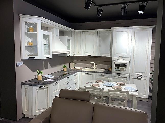 schöne L-Form Küche im Landhausstil