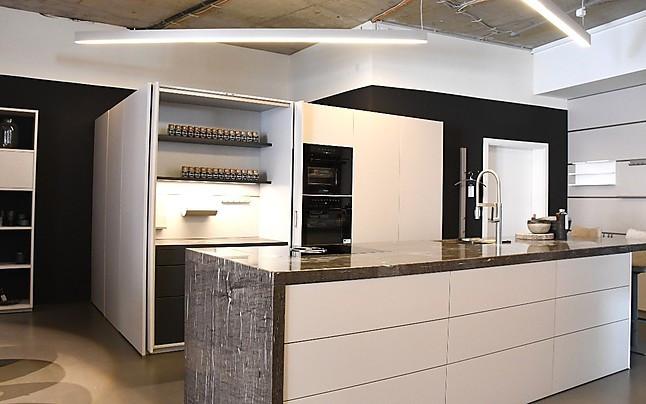 next125-Musterküche Design-Küche mit Bestausstattung mit ...