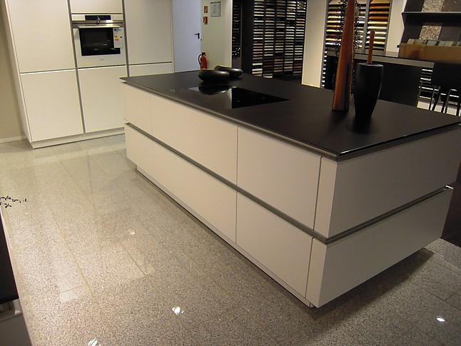 zeyko musterk che moderne grifflose k che mit beton element ausstellungsk che in kornwestheim. Black Bedroom Furniture Sets. Home Design Ideas