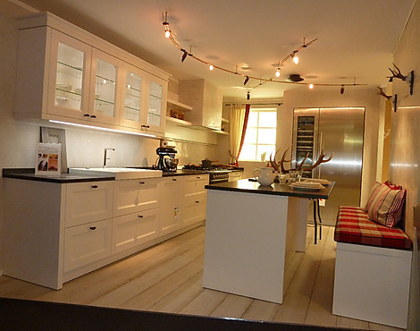 musterk chen hirzbauer in augsburg. Black Bedroom Furniture Sets. Home Design Ideas