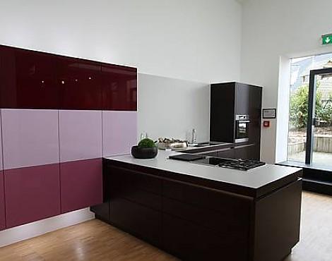 musterk chen von miele k chen angebots bersicht g nstiger ausstellungsk chen. Black Bedroom Furniture Sets. Home Design Ideas
