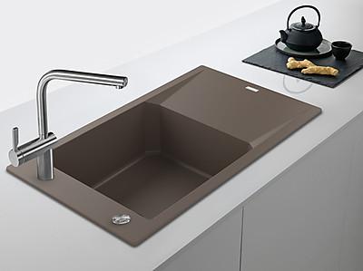 Moderne Küchenspüle aus Fragranit