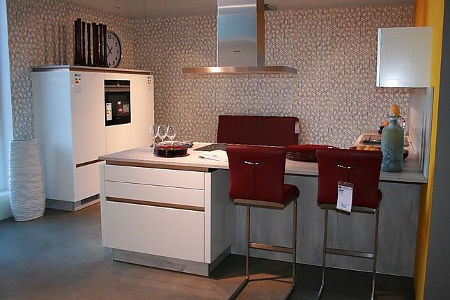 brigitte musterk che moderne grifflose k che in wei mit. Black Bedroom Furniture Sets. Home Design Ideas