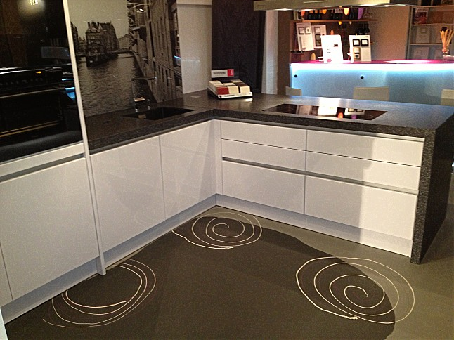 Störmer Küche störmer küchen musterküche linea orizzontale ausstellungsküche in