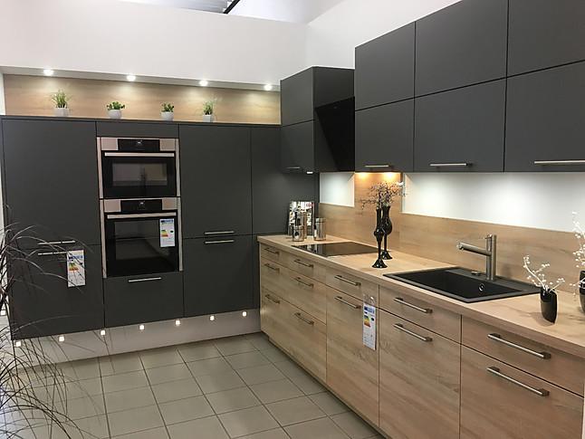 Häcker-Musterküche Schöne Küche in Eiche Natur/Matt Lack ...