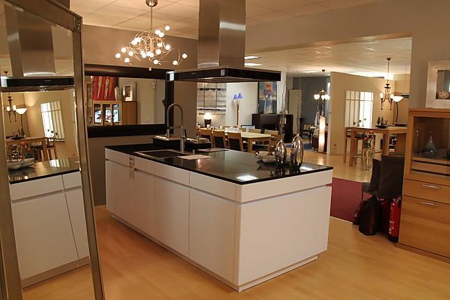 Leicht küchen grifflos  Leicht-Musterküche Moderne Grifflos Wohnküche mit lackierter ...