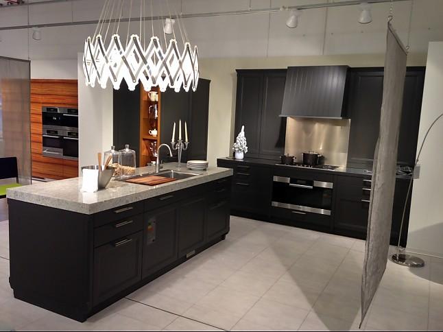 warendorf musterk che landhausk che ausstellungsk che in d sseldorf von warendorf. Black Bedroom Furniture Sets. Home Design Ideas