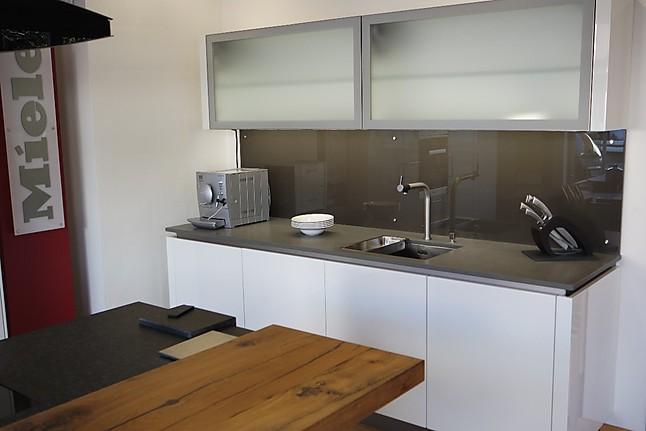 Designer Küchen Ausstellungsstücke ~ intuo EH06 HC Hochglanz weiß,mit Block Hochglanz lava Luxus