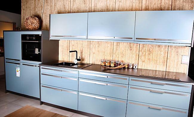 musterk che lin blaugrau lackiert ausstellungsk che in regensburg von pusch schreib gmbh. Black Bedroom Furniture Sets. Home Design Ideas