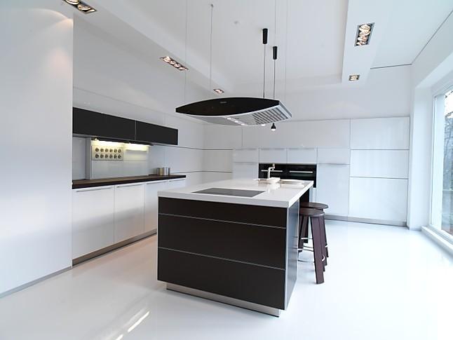 bulthaup musterk che kochinsel in aluminium bronze. Black Bedroom Furniture Sets. Home Design Ideas